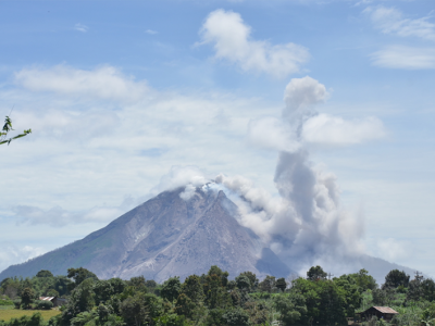 Build Earthquake Safe House as Mt. Sinabung Erupts